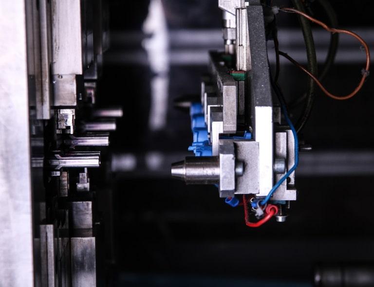 Fabrication de pièces injectées polymères MICROPLAST