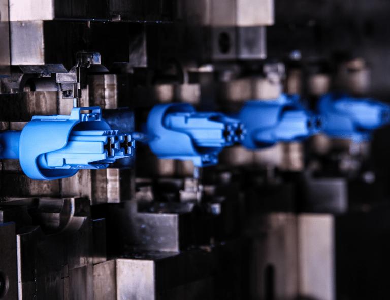 Injection plastique pour secteurs de la connectique, électronique MICROPLAST